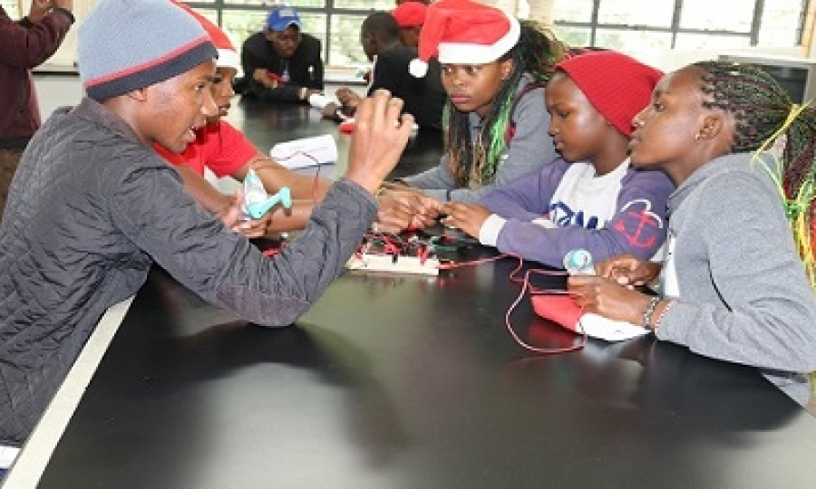 CHRISTMAS MATHS AND SCIENCE FUN DAY